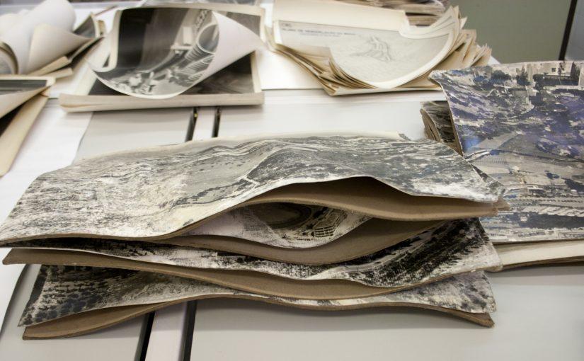 Tratamento de fotografias: remoção de cartões e planificação